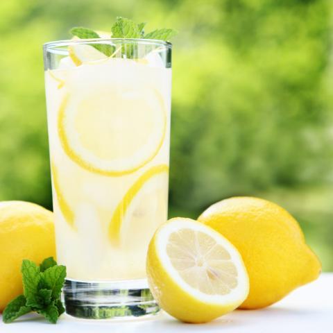 Light Lemon Lemonade