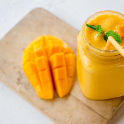 Calif. No-Moo Mango Smoothie (Dairy Free)