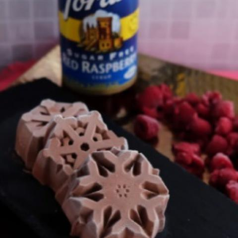 Low-Carb Chocolate Raspberry Bites