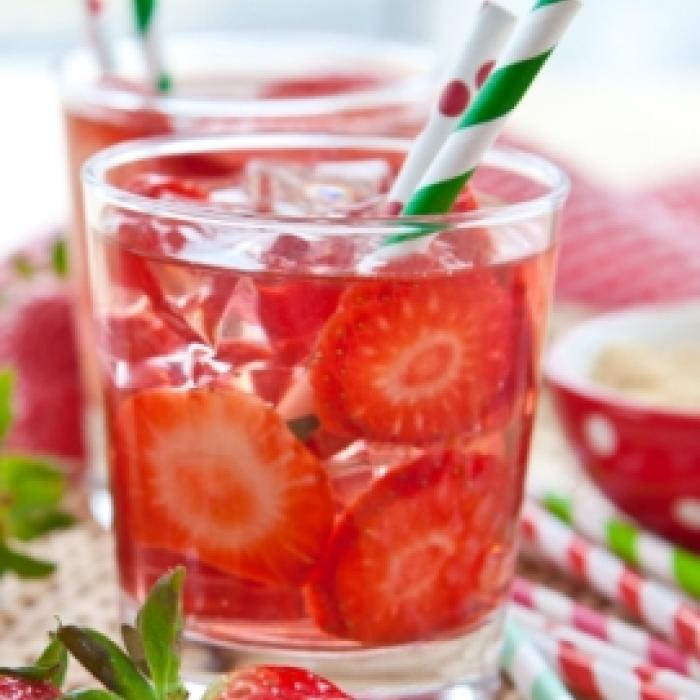 Strawberry and Mint Iced Tea